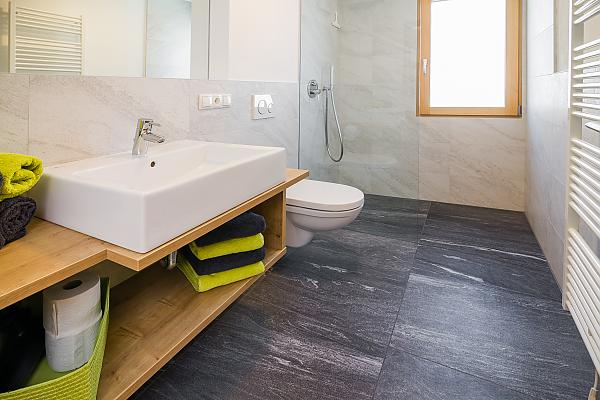 Modern bathrooms in Wiesenheim
