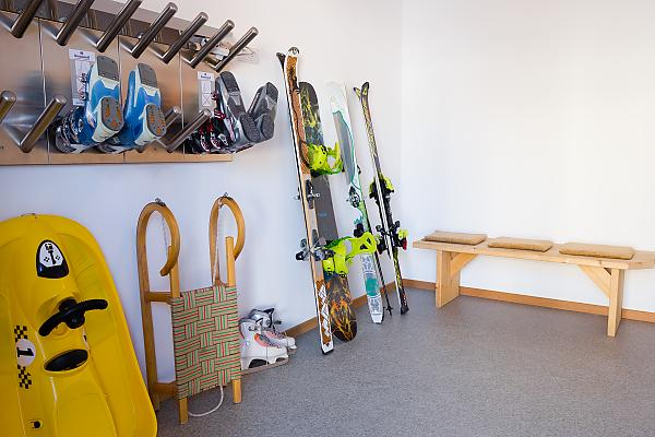 Ski room with ski dryer